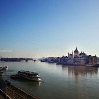 Hatiku Tertinggal di Budapest