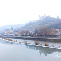 Sebuah winterscape ke kota Würzburg