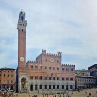 Di bawah mentari Toscana: Siena